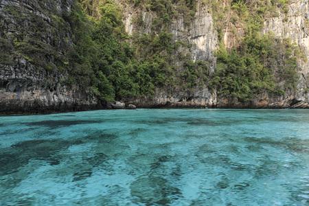 Crystal clear blu water in Losama bay in Koh Phi Phi Leh Island, Krabi Thailand