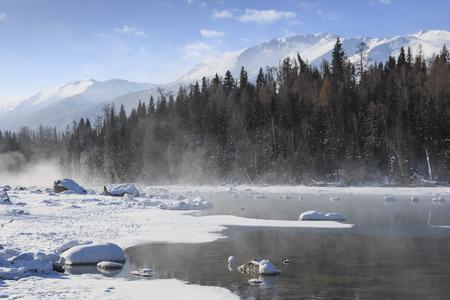 Crescent Moon Bend or Yue Liang Wan in Winter, Kanas Lake, Kanas Nature Reserve, Xinjiang, China