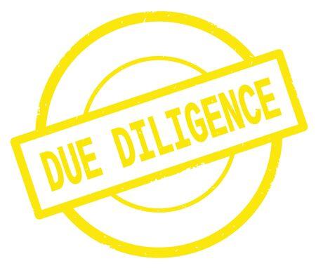 黄色のシンプルな円ゴムヴィンテージスタンプに書かれたDUE DILIGENCEテキスト。 写真素材