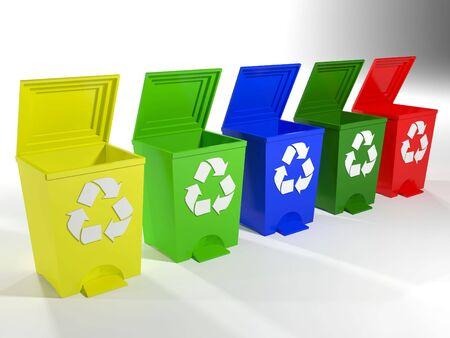 separacion de basura: ubicaciones de reciclaje en amarillo, verde, azul y rojo Foto de archivo