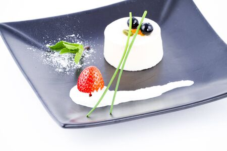 spongy: Vanilla soft and spongy mousse crowned by cranberries
