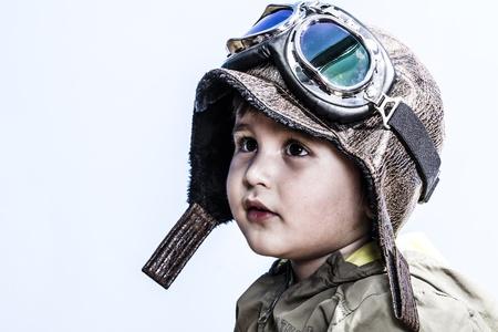 Pilot Babe mit professionellen Outfit Standard-Bild - 17712549