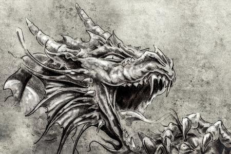 タトゥー アート、怒りの中世ドラゴンのスケッチ