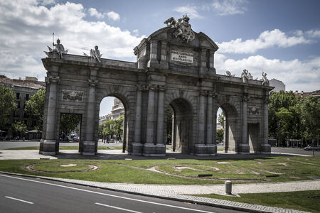 Puerta de Alcalá, Image of the city of Madrid, its characteristic architecture