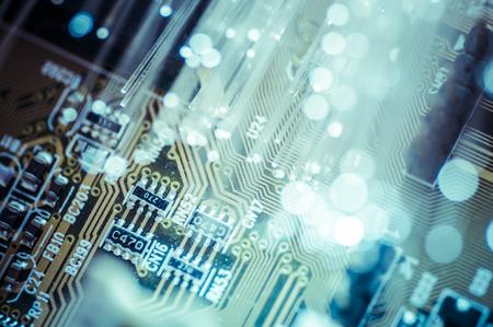 Ptica. Cables de fibra óptica, conexión de fibra, telecomunicaciones concepto. Foto de archivo - 26418020