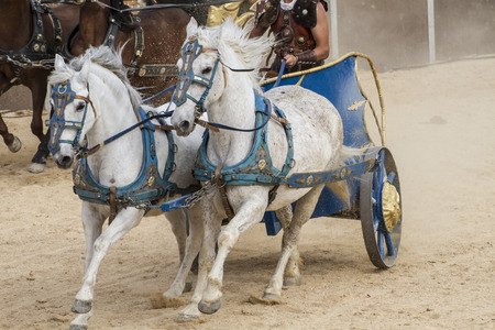 chariot: War, Roman chariot in a fight of gladiators, bloody circus