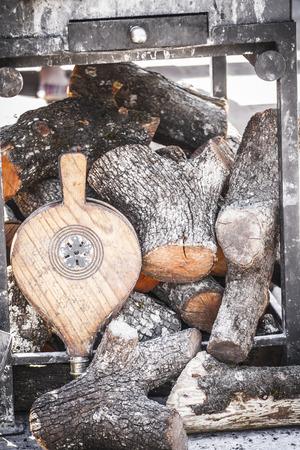 poele bois: po�le � bois dans une foire m�di�vale, Espagne Banque d'images