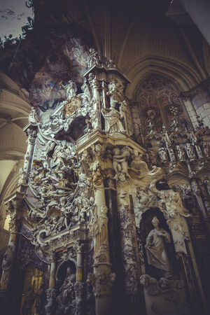high altar: tourism, high altar of the Cathedral of Toledo, gothic style sculptures churregesco