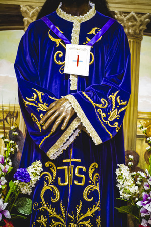 image of Jesus Christ with purple mantle, worship and religion