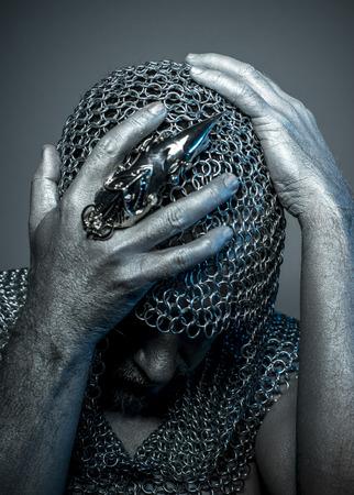 ahorcado: Anillos de hierro Hangman, medieval malla verdugo en la cabeza