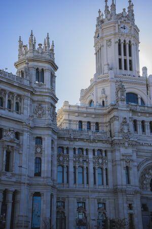 oficina antigua: Ayuntamiento de Madrid, España, antigua oficina de correos Editorial
