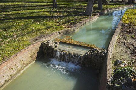parque del buen retiro: Waterway, Lake in Retiro park, Madrid Spain