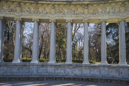 parque del buen retiro: Classic columns gallery, Lake in Retiro park, Madrid Spain Editorial