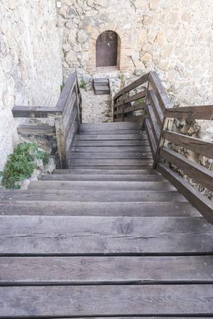 don quijote: Los viajes, la fortaleza y el castillo de Consuegra, en Toledo, España. fortificación medieval