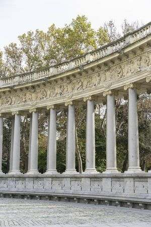 parque del buen retiro: Monument, Fountains and gardens of the royal jardin del retiro in madrid, spain