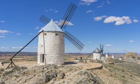 windmills of Consuegra in Toledo City, were used to grind grain of wheat and barley Foto de archivo