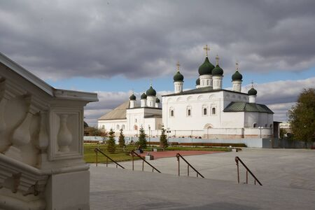 Astrakhan, Russia, 23 October, 2017: Trinity Cathedral of the Astrakhan Kremlin on a background of cloudy sky. Redactioneel