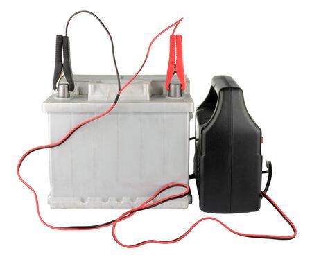 pezones: Batería de coche recortado a los terminales aislados en blanco Foto de archivo