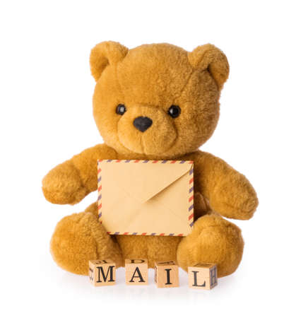 toy bear holding envelope mail concept isolated white background Banque d'images - 154302114
