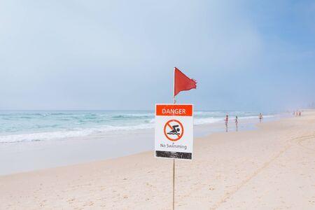 gold coast: Foggy morning on Australian beach (Gold Coast, Broadbeach, QLD, Australia)