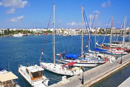 ギリシャ。Dodecanesse。コス島。コス島の町。ヨット港します。