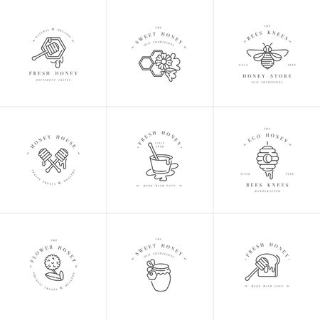 Vector set illustartion logos and design templates or badges. Organic and eco honey labels and tags with bees. Linear style. Banque d'images - 121574465