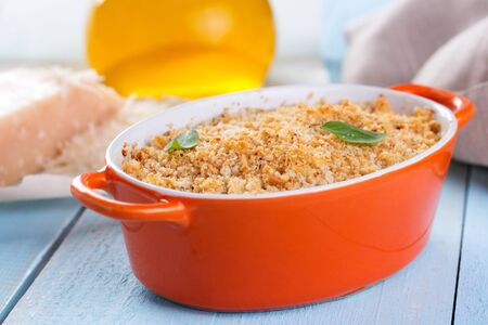 crumbing: Gratin topped with a crust of breadcrumbs and cheese Stock Photo