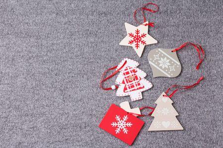 Christmas ornament flat lay on grey knitted plaid 版權商用圖片