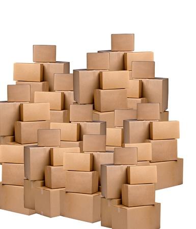 mucchi di scatole di cartone su uno sfondo bianco