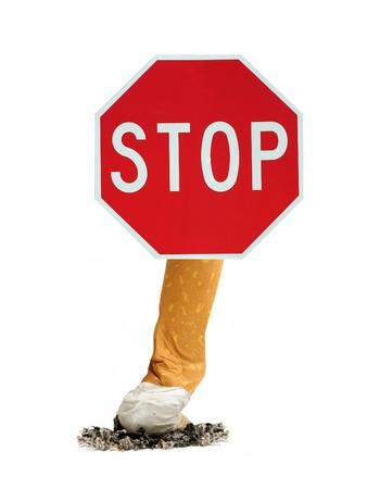 prohibido fumar: dejar de fumar signo aislado sobre fondo blanco Foto de archivo