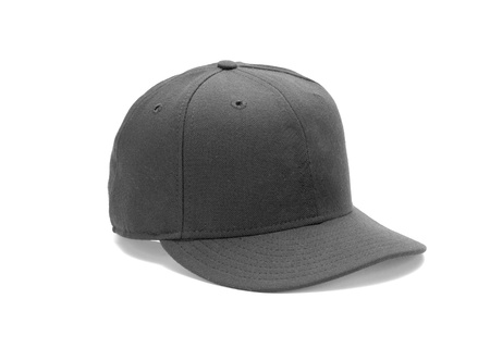 casquetes: gorro negro con trazado de recorte aislado en blanco