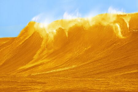 Beautifull Large Beer Wave Stock Photo - 15439078