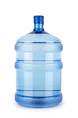 Una botella grande de agua pura en un fondo blanco