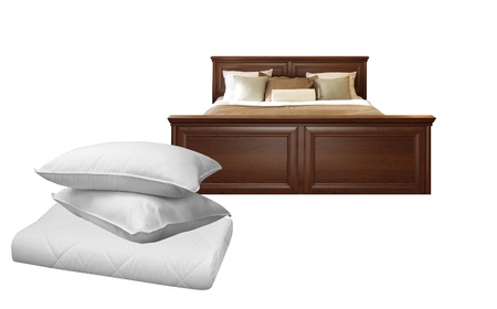 king size: White pillows and bed Stock Photo