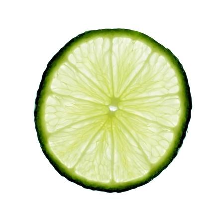 Schijfje limoen, backlit en geïsoleerd op wit