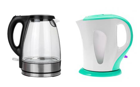 kettles: hervidores eléctricos inoxidable aislados sobre fondo blanco