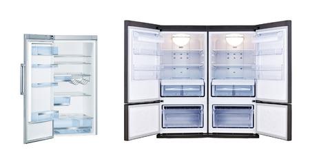 deep freeze: Refrigeradores con puertas abiertas aisladas Foto de archivo
