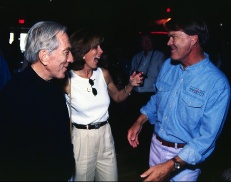 Singer Andy Williams and his wife, Debbie greet singer Glen Campbell at a surprise birthday party given for Campell's 60th birthday on April 22, 1996 in Branson, Missouri. More photos of Williams, Campbell and other celebrities and famous people on stage  Banco de Imagens - 125924794