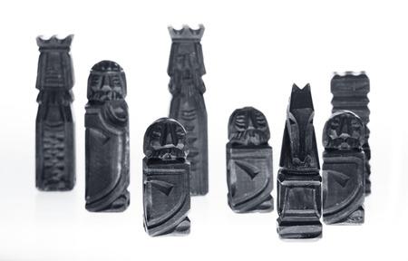 gamesmanship: pedazos de ajedrez tallados de madera