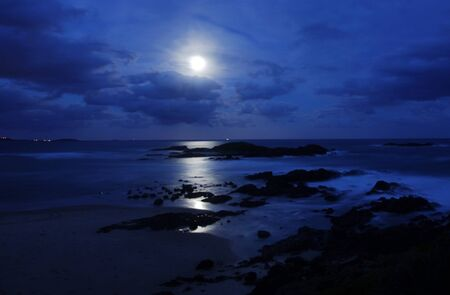 paisaje lunar: Lunar Sawtell playa en Playa en Coffs Harbour Foto de archivo