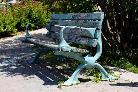 lakeside bench in Onatrio, Canada Stock Photo - 5600442