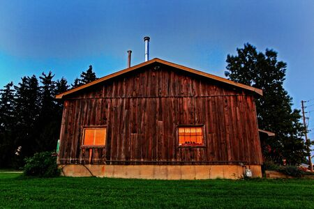 old shack in the Canadian countryside Stock Photo - 7979635