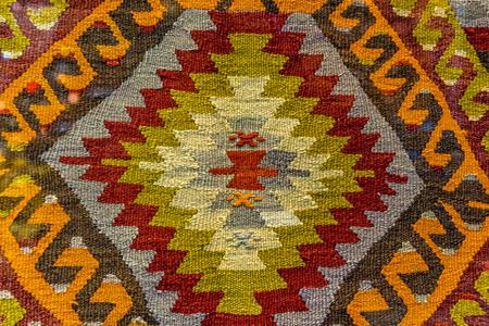 手作りの織りラグとタペストリー、トルコのバザールのヴィンテージカーペット。エジプトバザールトルコの伝統的なトルコの敷物