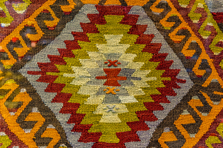 Handmade woven rug and tapestry,vintage carpets on a Turkish bazaar. Traditional Turkey rugs  in Egypt Bazaar Turkey Standard-Bild