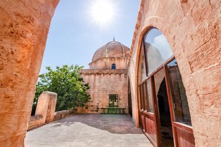 Courtyard of Hamidiye Mosque(Seyh Zebuni)built in 1347 and locates in Mardin,Turkey.17 June 2018 Banco de Imagens