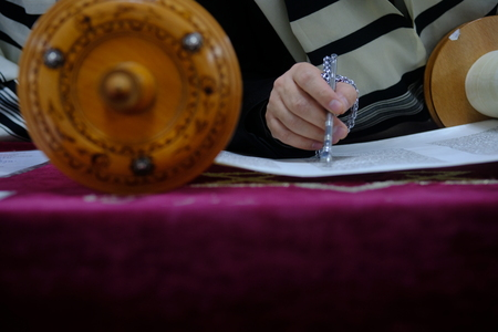 Reading the Torah Scrolls in the Synagoge 写真素材