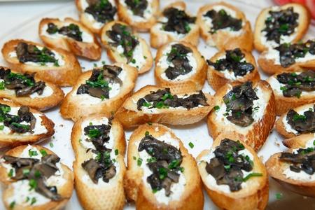 plater: Mushroom Bruschetta (Brushetta)