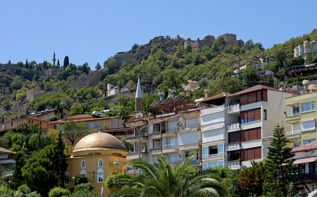 squatter: Alanya,Turkey - August 28, 2015:Residential quarter in Alanya on the mountain, around the historic site of the medieval fortress