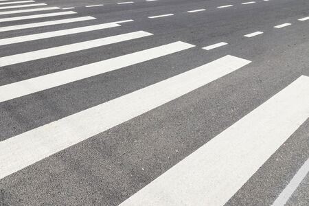 crosswalk: Nadie en paso de peatones en Blanco y Negro Foto de archivo