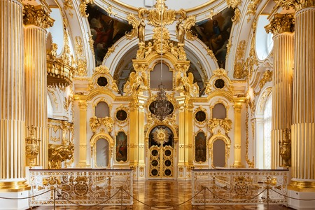 winter palace: SAINT PETERSBURG, RUSSIA - APRIL 07, 2016:  Interior of the State Hermitage, the Grand Church of the Winter Palace. Hermitage is one of the largest and oldest museums of art and culture in the world